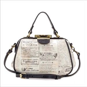 🆕 Patricia Nash Crossbody bag Newspaper 🗞 Print